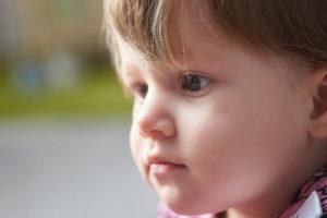 лицо маленькой девочки глаза